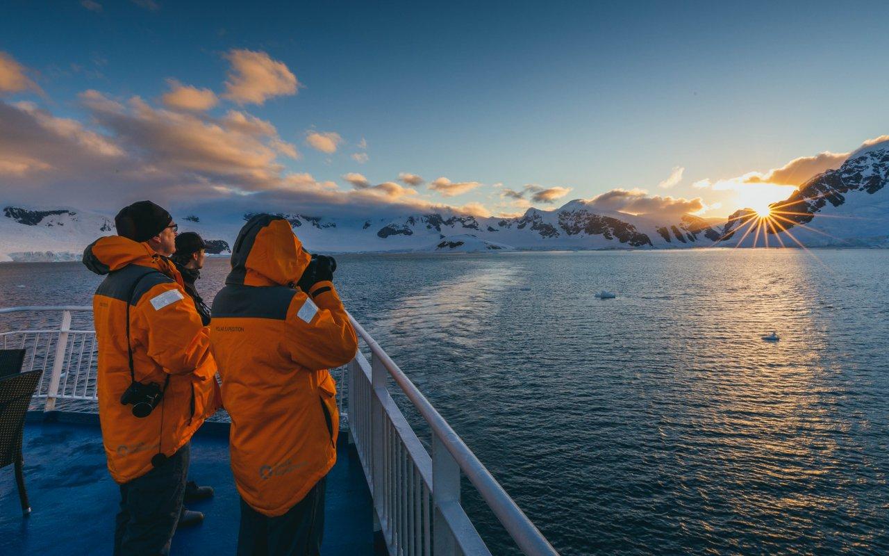 antarctique voyage eclipse